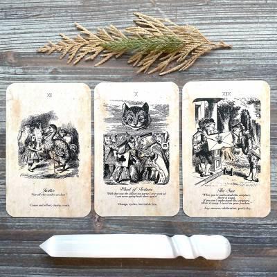 Tarot in Wonderland - The Oracle of Alice