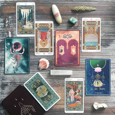 An Unfoldment of Consciousness Oracle and Tarot of the Thousand and One Nights